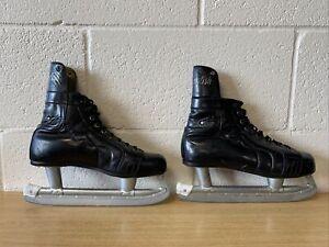 ice skates Size 7-7.5 Black Leather Vintage