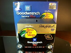 Dale Earnhardt #3 GM Goodwrench Bass Pro Shops 1:16 1998 Pit Wagon Bank 4,008