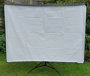 Bowens Wafer Soft Box 140 with Front Diffuser & Speedring 'S' Type Fitting