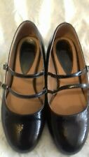 Black patent shoes size 6eee