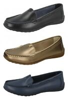 F8R0422- Ladies Down To Earth Action Leather Flat Casual Shoes.