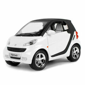 1:24 Scale Smart ForTwo Model Car Diecast Toy Vehicle Kids Toy Gifts