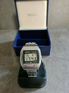 Mens Vintage Seiko  Quartz LC Digital Watch Wristwatch Silver