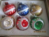 Beautiful VINTAGE GLASS CHRISTMAS TREE ORNAMENTS  Made in West Germany Orig. Box