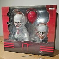 """MEZCO DESIGNER SERIES 2017 IT PENNYWISE STYLIZED 6"""" FIGURE MDS DELUXE EDITION"""
