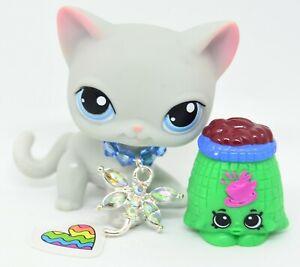 Littlest Pet Shop 246 Grey Short Hair Cat w/ Blue Eyes -Flaw