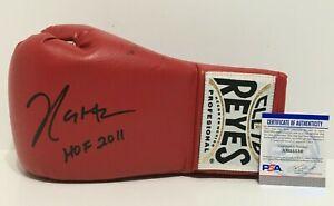"""Julio Cesar Chavez Signed Red Cleto Reyes Boxing Glove """"HOF 2011"""" PSA AH55530"""