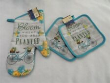 3 Piece Bloom Where you are Planted Kitchen Decor 2 Potholders, 1 Oven mitt, set