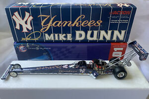 2001 Mike Dunn NY Yankees Action 1:24 NHRA Top Fuel Dragster Diecast