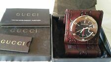 Sveglia Gucci Unisex Al quarzo (batteria) Acciaio e pelle.