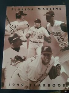 1999 Florida Marlins Yearbook - Mike Lowell, Luis Castillo