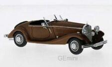 Voitures miniatures marrons Mercedes
