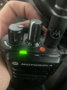 1 MOTOROLA DP4401E RADIO