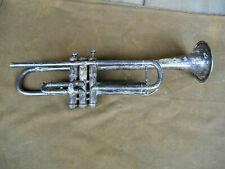 Trompete Instrument Weltklang Deko alt defekt