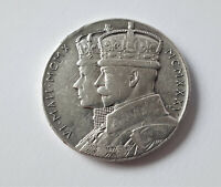SILVER MEDAL 1935 - KING GEORGE V AND QUEEN MARY SILVER JUBILEE