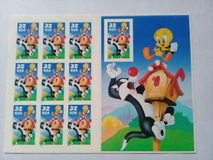 Stamps: 10 self-adhesive: Silvestre & Piolín