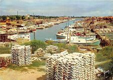 BR26362 La Teste de Buch bassin d arachon le port France