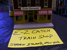 MTH Eatie Gourmet's Grocery 3 Story City Building Lighted Pre Made Lionel Type