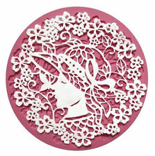 Woman w/hat & flowers lace Round Silicone Mold