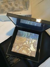 BURBERRY Limited Ed THE RUNWAY PALETTE ILLUMINATING POWDER HIGHLIGHTER RRP £ 55
