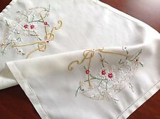 VINTAGE HAND EMBROIDERED OFF WHITE TRAY CLOTH TABLE CENTRE