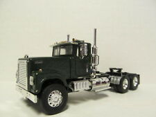 TOP SHELF 1/64 SCALE INTERNATIONAL 4300 DAY CAB GREEN (SAME SCALE AS DCP)
