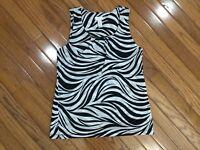 Chico's Women's Black & White Nylon Striped Tank Sleeveless Top Blouse Size 1