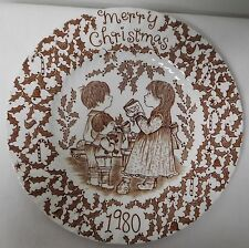 ROYAL CROWNFORD STAFFORDSHIRE BROWN AND WHITE VINTAGE CHRISTMAS PLATE 1980 EUVC