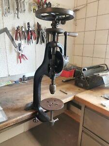 Antike Tischbohrmaschine mit Handkurbel Ständerbohrmaschine Rarität
