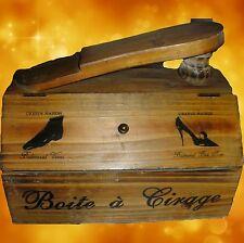 Klassische Deko-Buchstützen aus Holz