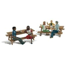 Woodland Scenics #2214 - Outdoor Dining - N Scale