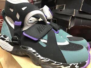 New Nike Air Carnivore Size 13 Green Black Rare 390077 001