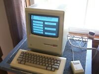Macintosh 128K M0001 System early production run with kb and mouse