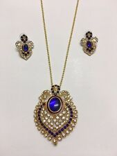 Fashion jewellery Blue stone gold-tone pendant with earrings