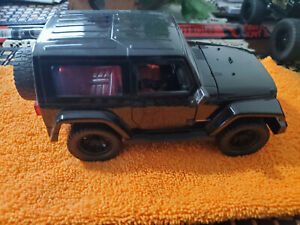 JADA 2019 JEEP WRANGLER BLACK with RED SEATS 1/24 Scale