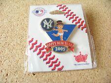 2005 NY N.Y. New York Yankees Baby New Year's pin