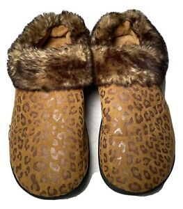 ISOTONER Women's Brown/Faux Suede Faux Fur Slippers Booties Boot Winter Sz 6.5-7
