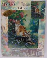 CANDAMAR DESIGNS HOBBS TOPPER TWO CATS Embellished Cross Stitch MADE IN USA