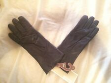 A pair of leather gloves (brand new)