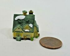 Miniature Manor House Sculpture in 1:12 doll scale A4201 00004000