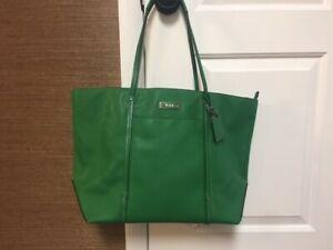 TUMI Tote Bag Saffiano Green Leather Great Condition