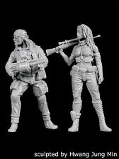 Black Dog 1/35 Stalkers Set No.2 Man and Woman in Apocalyptic Chernobyl F35184