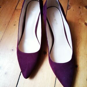 Nine West burgundy suede heels in size 7
