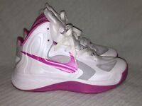 Ladies Size 6 RARE Breast Cancer Ribbon Nike Hyperfuse White/Pink 525021-101
