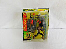 TODD MCFARLANES MONSTERS HUNCHBACK PLAYSET SERIES 1 1997 COLLECTIBLE