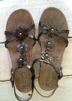 Baretraps Women's Hammond Memory Foam  Sandals Black 11M Slingback Buckle strap