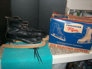 "CANADIAN FLYER ""VINTAGE ICE SKATES LEATHER W/WOOD ICE GAURDS IN ORIGINAL BOX M11"