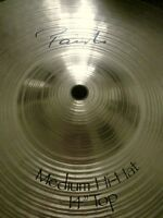 "PAISTE SIGNATURE 14"" Medium Hi Hat Cymbals NEW w. Silencer"