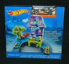 Hot Wheels Deadmans Curve Set inc 1 Vehicle BNIB