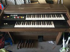 Yamaha Organ (Very Good Condition)
